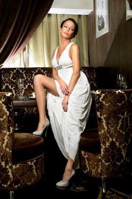 Виктория, тел. 8 985 518-85-14 — девушка для массажа