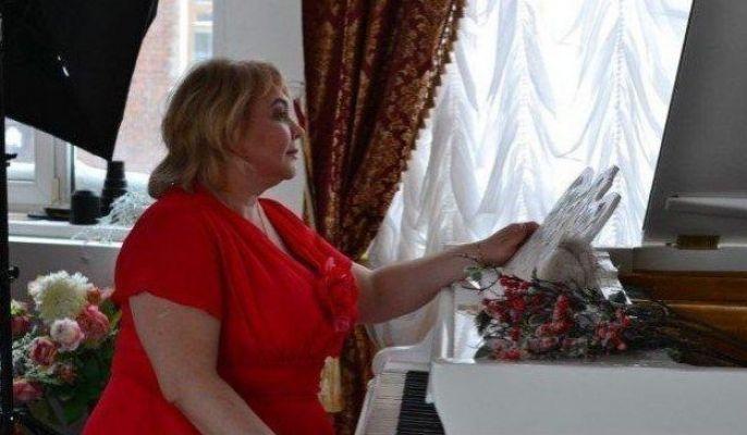 толстая проститутка Мадам Кураж Вирт, секс-услуги от 2000 руб. в час